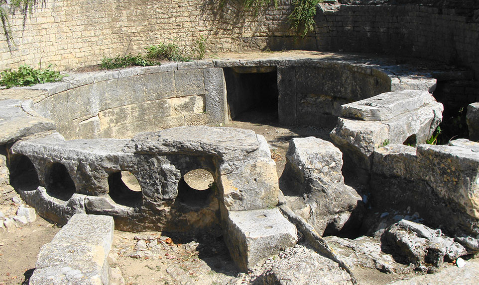 Castellum Nimes pont du gard