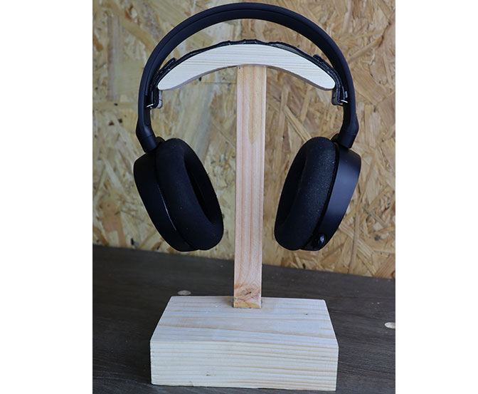 support de casque gaming en bois